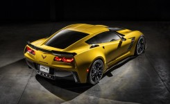 2015 Chevrolet Corvette Z06 Photos  (19)