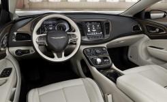 2015 Chrysler 200 Photos (13)