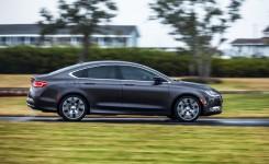 2015 Chrysler 200 Photos (26)