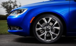 2015 Chrysler 200 Photos (29)