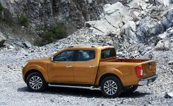 2015-nissan-navara-photos-modelpublisher-com-28
